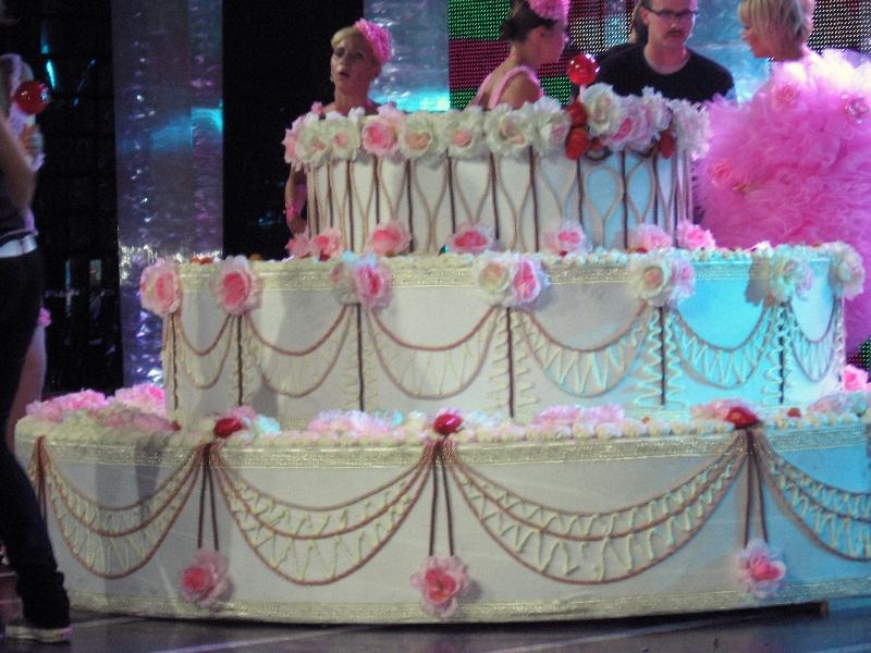 Торт сюрприз фото